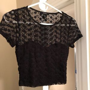 Lace cropped short sleeve top